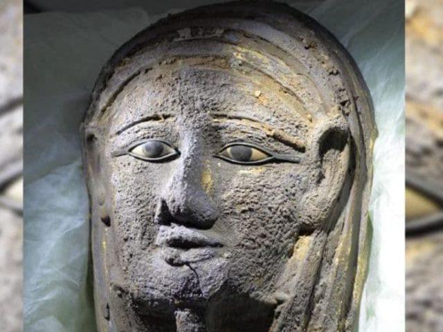 Antik balzsamozót és ezüst maszkos múmiát  találtak Szakkarában