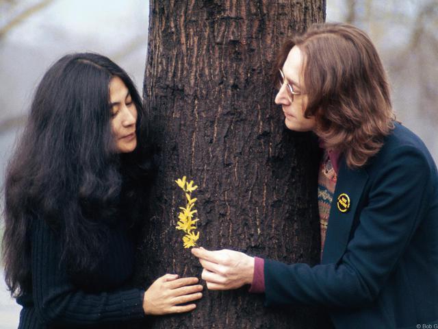 Yoko Ono hatalmában tartotta John Lennont?