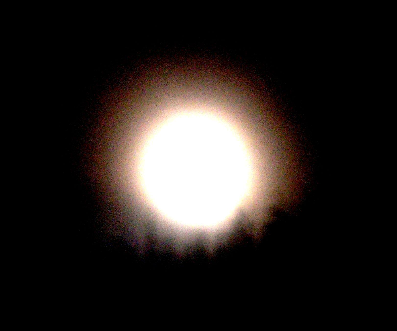 Elmozdultak a Hold sarkai