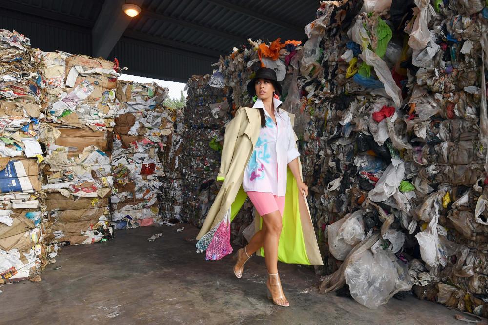 A divat és a kozmetika nagy márkái igyekeznek kisebb negatív nyomot hagyni