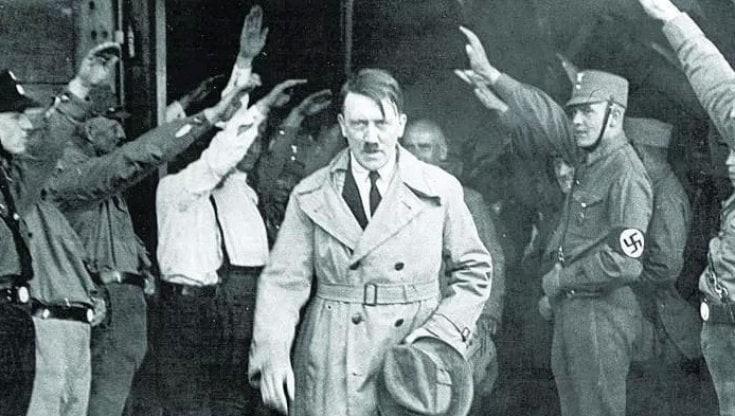 Szabaduljunk meg Hitler kísértetétől!