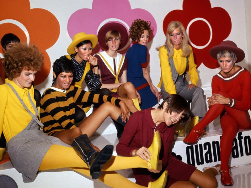 mary_quant_and_models_at_the_quant_afoot_footwear_collection_launch_1967_pa_prints_2008.jpg