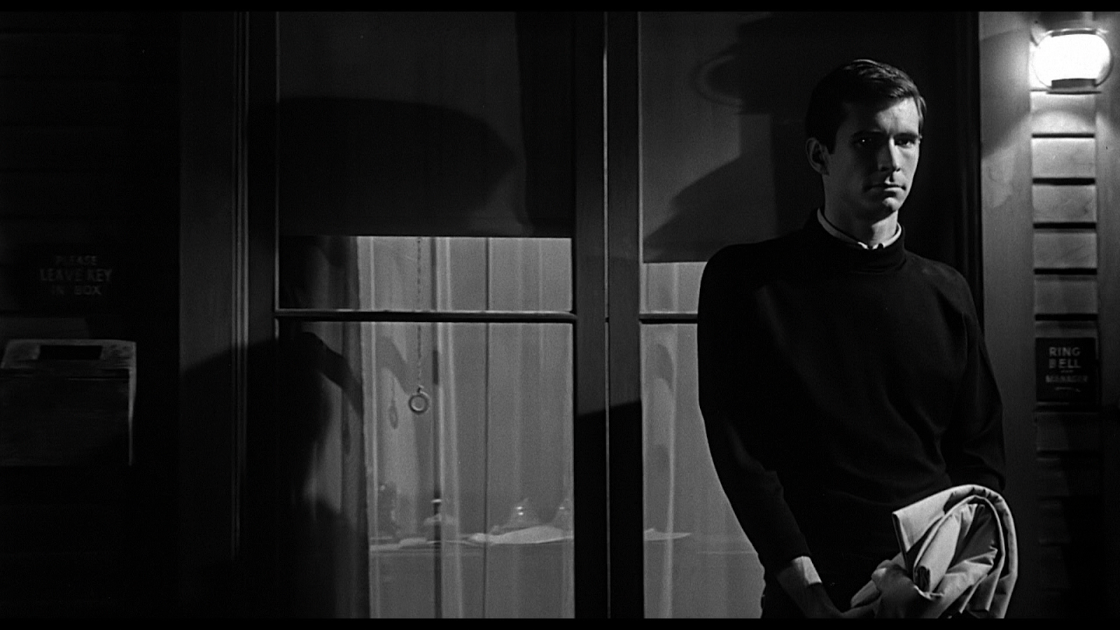 movies-psycho-alfred-hitchcock-movie-legends-anthony-perkins-hd-wallpapers.png