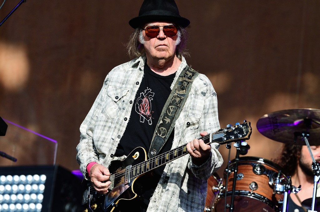 neil-young-live-2019-uxj-billboard-1548-1024x677.jpg