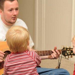 A zene erősíti a kapcsolatot szülő és gyerek között