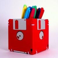 Mit tegyek a floppyjaimmal? Barkácsolj tolltartót/táskát vagy mást!