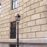 Golyószórta falak Budapesten - köszöntjük Olvasóinkat