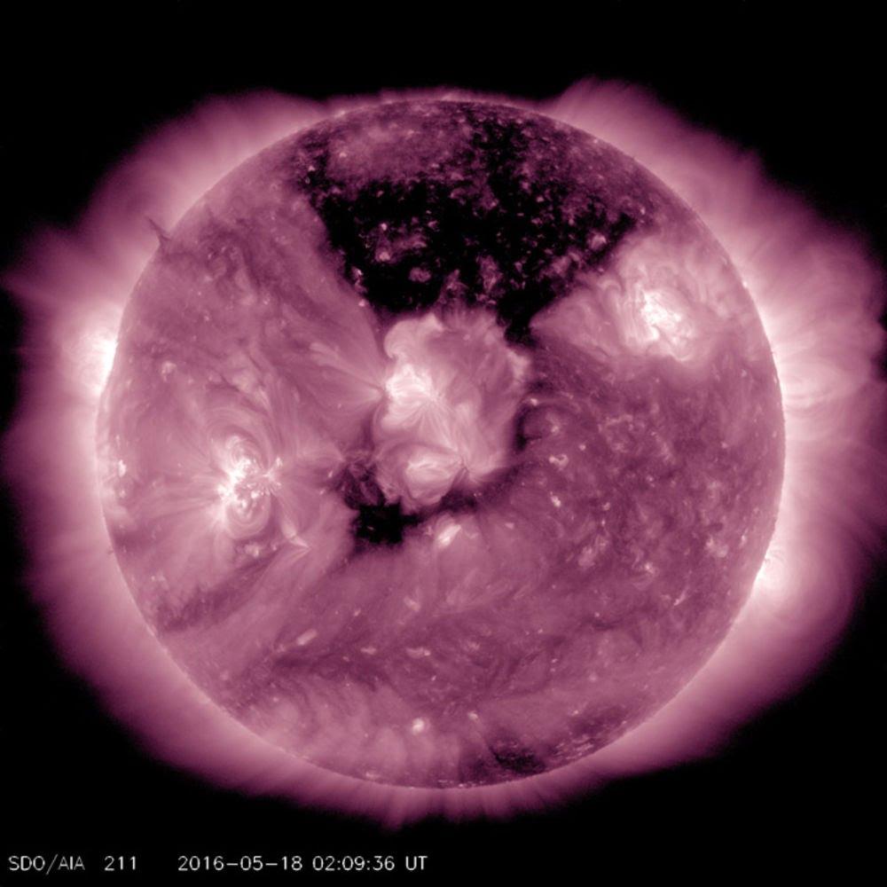 coronal-hole-1_png.jpg