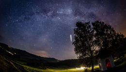 Ranten | Milky way + meteor
