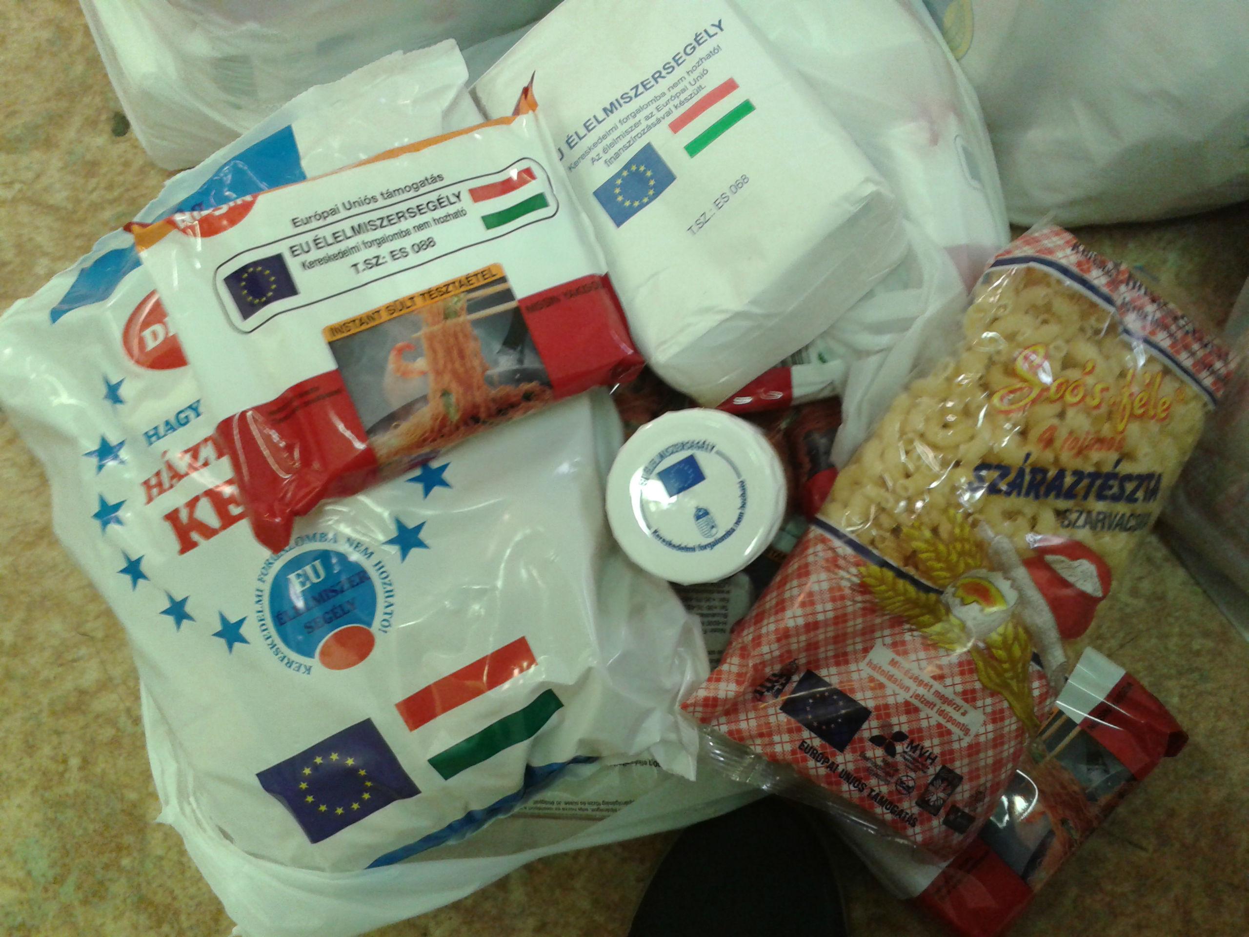 élelmiszersegély csomag.jpg