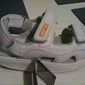 Olcsó gördülő talpú cipők