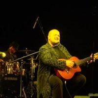 Miért énekel Bolyki Balázs mezítláb, ha teheti?