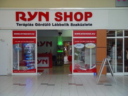 Látogatás az új RynShop-ban az OMSZK Parkban - Gördülő cipő 3b5cd29e33
