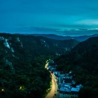 A Bécsi erdő szépsége tavas barlanglátogatással