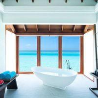 A Dél-Malé korallzátonyán található Anantara Dhigu Maldive Resort & Spa a Maldív-szigetek egyik gyöngyszeme. A lágy hófehér homok és azúrkék óceán övezte paradicsomi környezetben található luxus resort gyermekes családoknak is tökéletes választás. Csodálatos tengerparti és víz feletti villák és a komplexum szolgáltatásai mind egy álomszép nyaralás biztosítékai! Az ajánlat részleteiről érdeklődjön kollégáinknál!