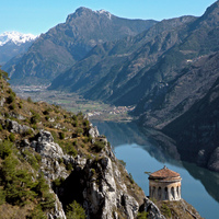 Lago  d'Idro, a hétfejű sárkány tava