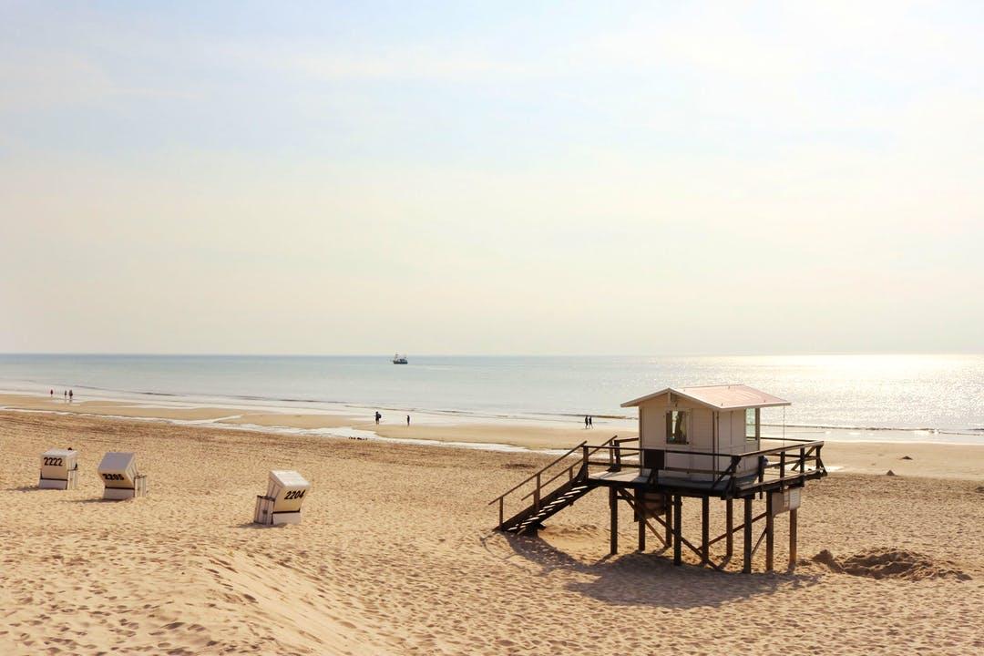 nemeto_beach.jpg