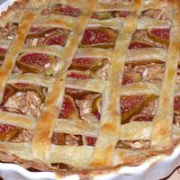 Almás pite fügével