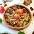 Ropogós granola friss gyümölcsökkel