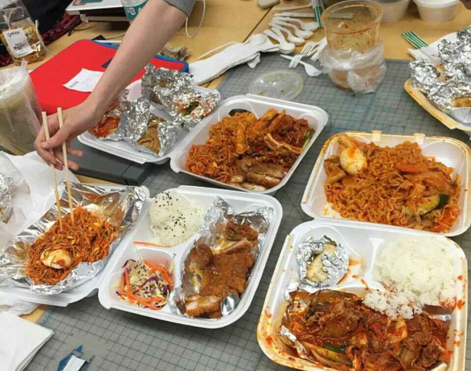 delivery_food_in_south_korea_with_fried_noodles.jpg