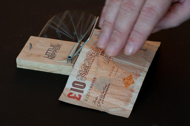 A pénz csapdájában – Kép: SunnyUK, http://www.flickr.com/photos/sunnyuk/4043887346/