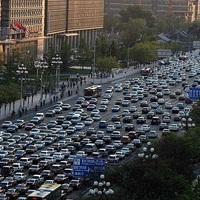 Szmogstop Kínában: 5 millió öreg autót von ki a kormány a forgalomból