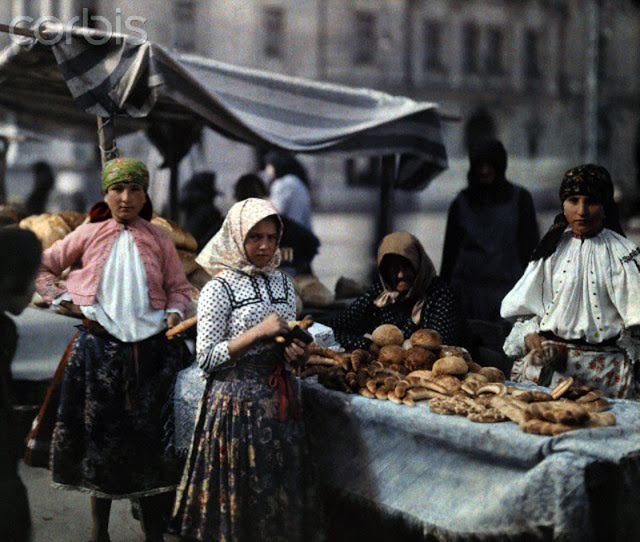 Beautiful Color Photos of Hungary in The Early of 1930s (10).jpg