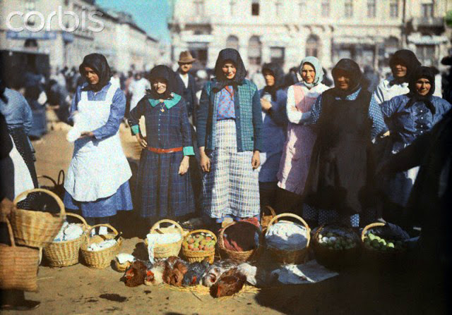 Beautiful Color Photos of Hungary in The Early of 1930s (11).jpg