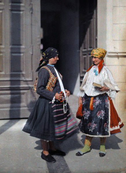 Beautiful Color Photos of Hungary in The Early of 1930s (17).jpg