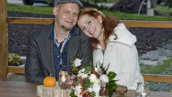 Pajta-nász az  avaron és egy új élet kezdete: Emese csodákkal teli esküvője