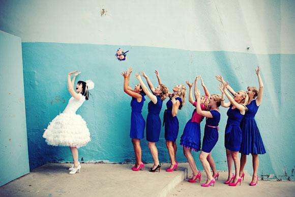 bouquet-toss-wedding-traditions.jpg