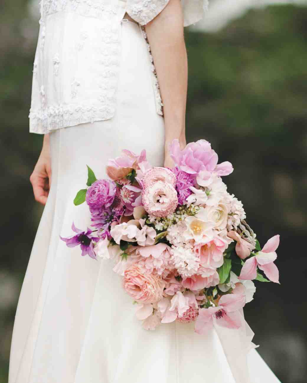bouquet-weddinggown-winn-bowman-thenichols-263-mwds110732_vert.jpg
