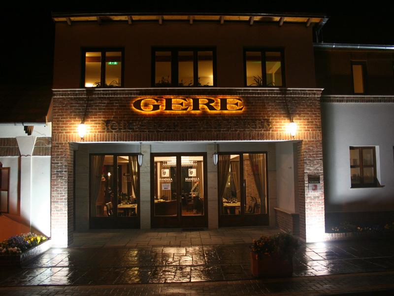 crocus-gere-hotel-06.jpg