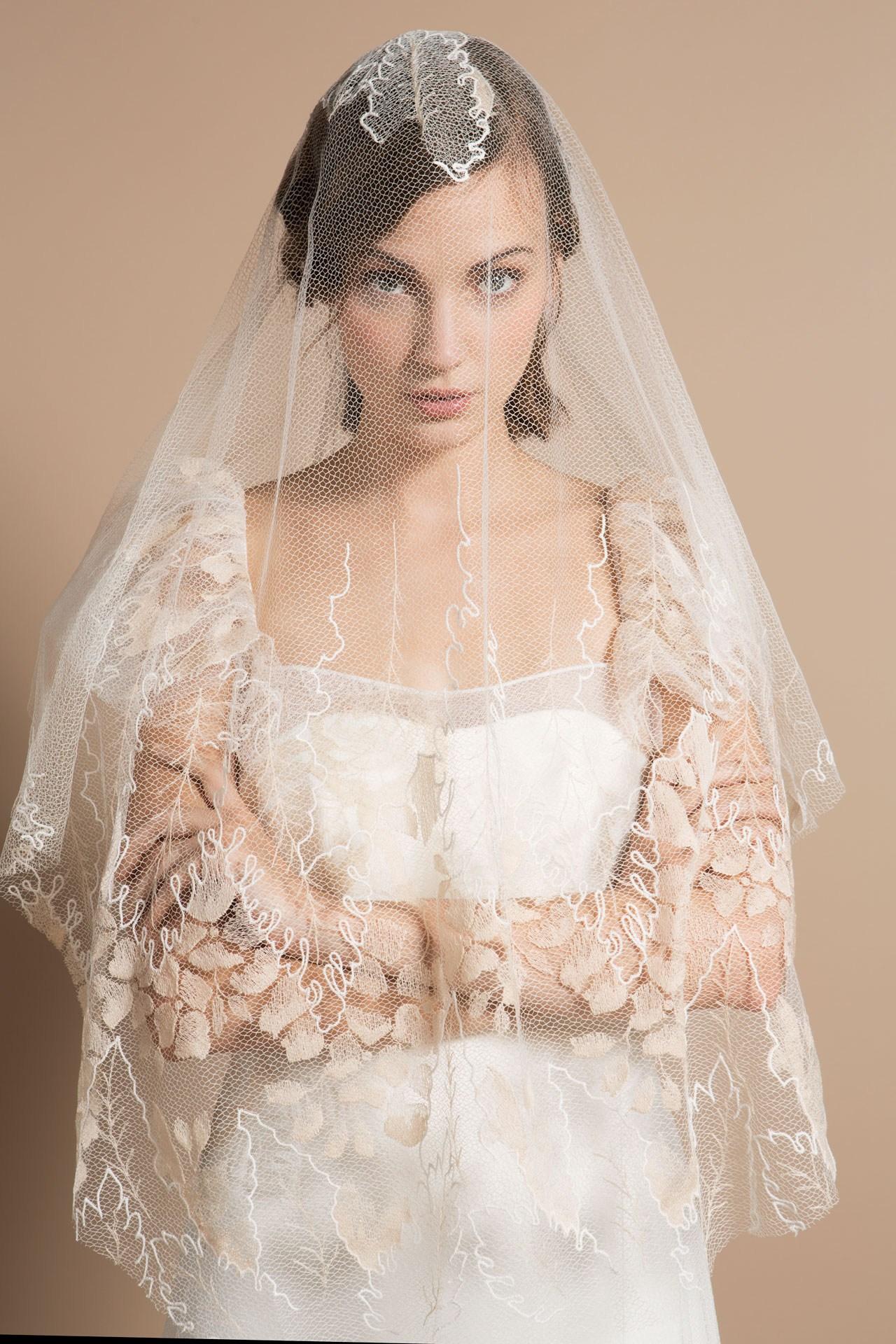 kq9b1694-delphine-manivet-2014-collection-brides-30oct13-pr_b-2.jpg
