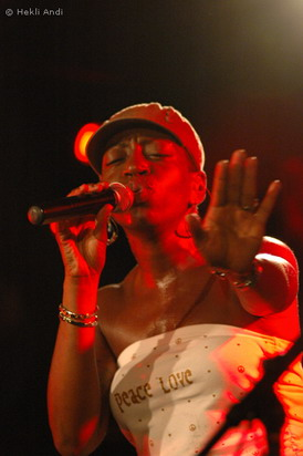 Saundra Williams