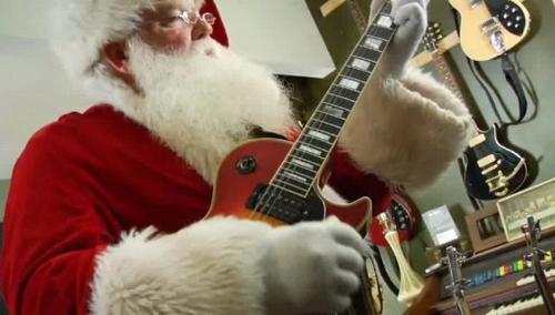 Santa plays