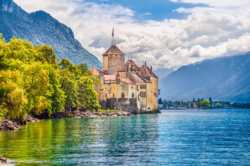 chateau-de-chillon_-minnystock-dreamstime.jpg