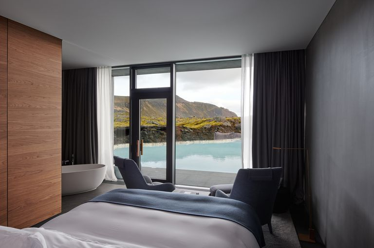 5-retreat-at-blue-lagoon-lagoon-suite-1528665566.jpg