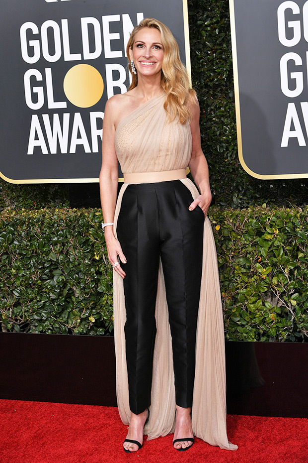 julia-roberts-golden-globe-awards-2019-embed.jpg