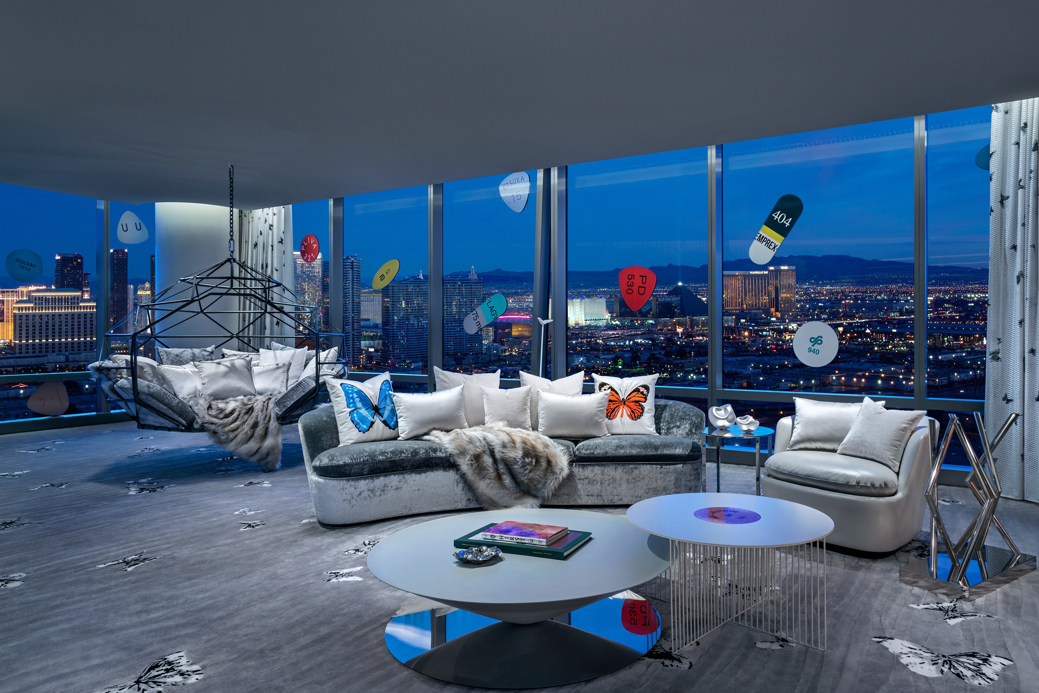 palms-casino-resort_clint-jenkins_2019_upstairs-living-room_1.jpg