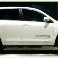 Az első Toyota-Tesla villanyautó