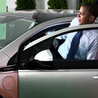 Obama 3 méteres útja a Chevrolet Volt-tal