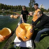 Vízre szálltak a tökös versenyzők - videó