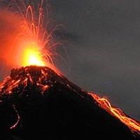 Vulkánkitörés miatt falvakat evakuálnak