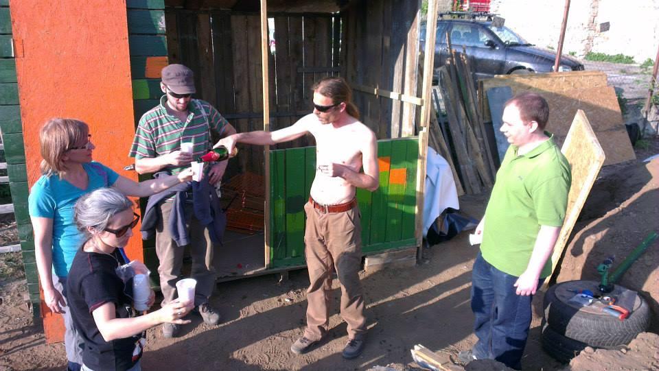 Pezsgőbontás - kész a ház - 2014