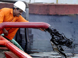 Három dolog, ami miatt esik az olajár...