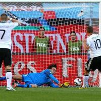 Kalte Dusche – nyertek a szerbek (0-1), plusz egy kis bírószidás