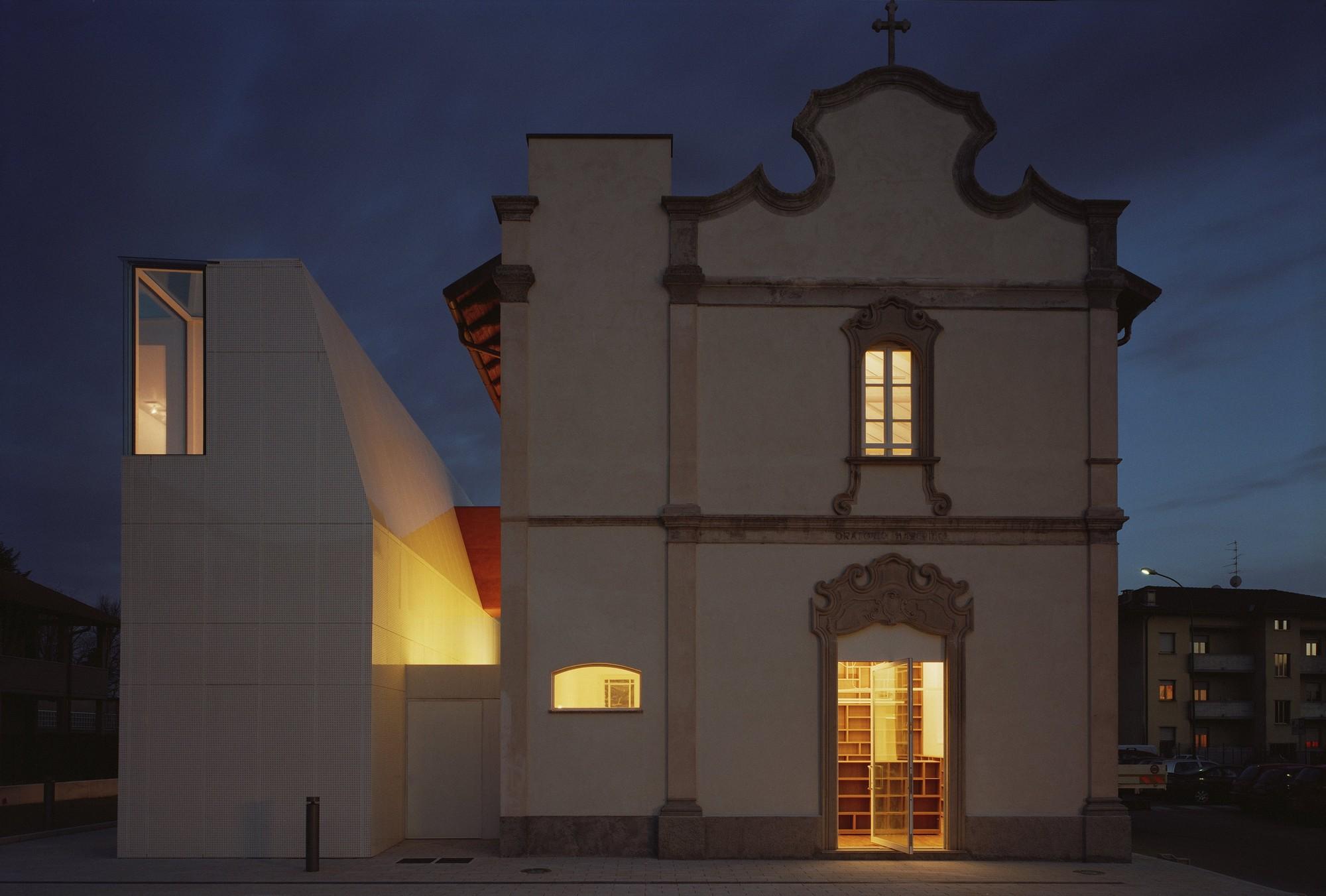biblioteca_comunale_elsa_morente_126.jpg