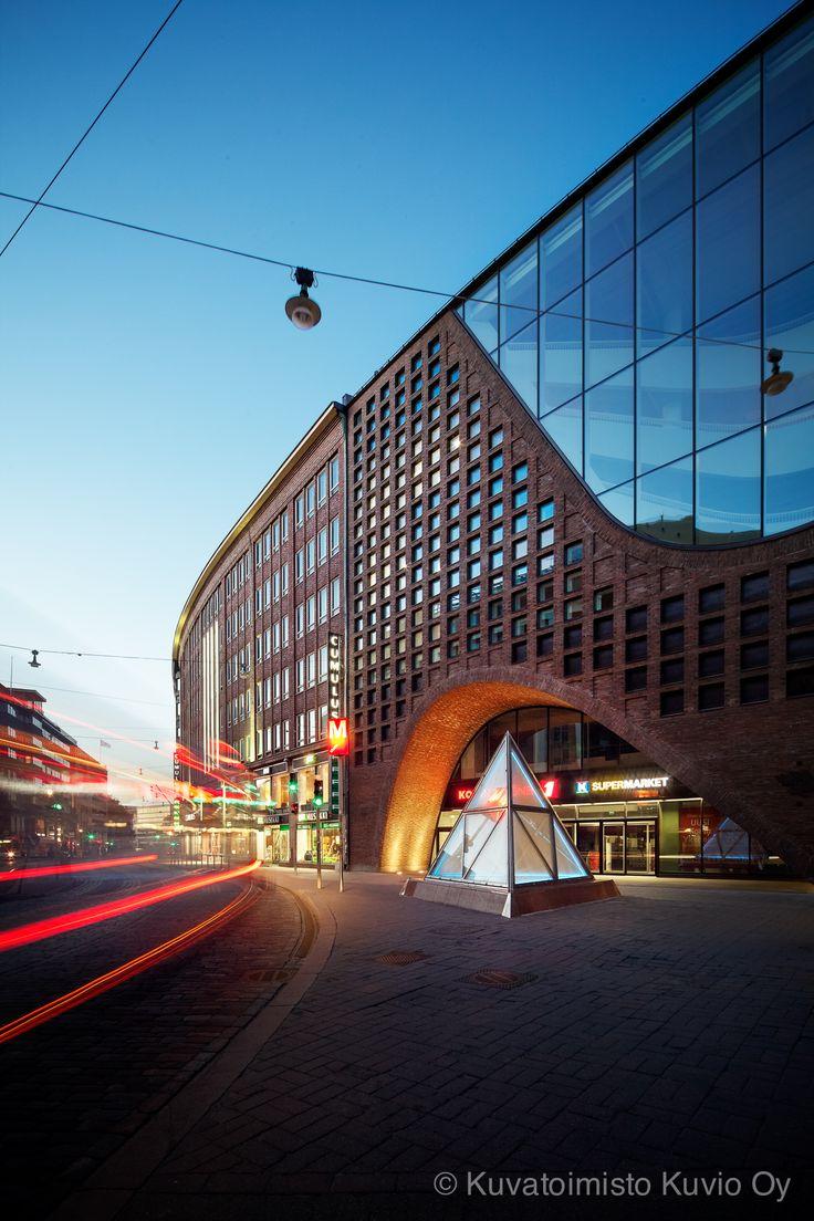 Helsingin yliopiston Kaisa-kirjasto - GyenesIskola