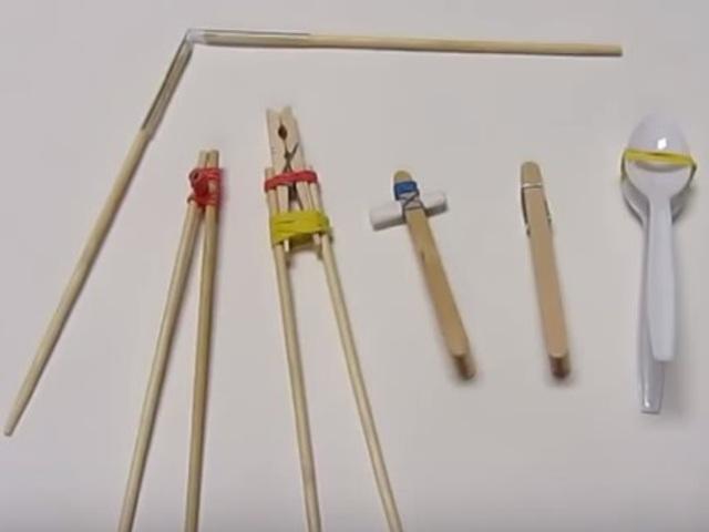 Mikor és hogyan tanulják meg az ázsiai gyerekek az evőpálcika használatát?